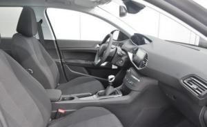 Binnen interieur Peugeot 308 sw